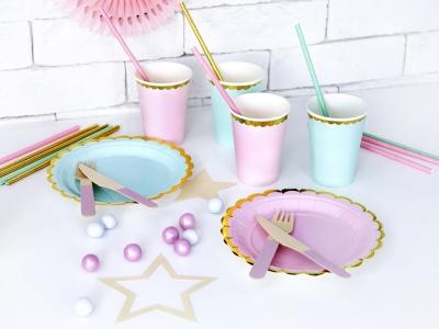 Čaše i tanjuri